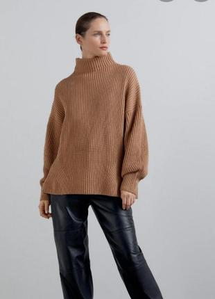 Отличный шерстяной  оверсайз свитер zarа