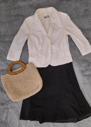 Стильный летний пиджак из натуральной ткани.