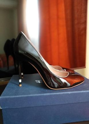 Кожаные туфли лодочки на шпильке6 фото