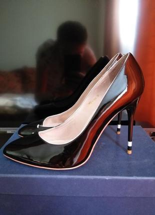 Кожаные туфли лодочки на шпильке4 фото