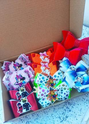 Комплект набор резиночки 8 марта день рождения бантики