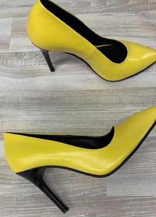 Туфли лодочки на шпильке с натуральной кожи с  35-41
