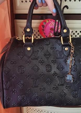 Красивезная,модная сумка бочонок.