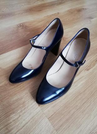Туфлі на каблуку темно сині