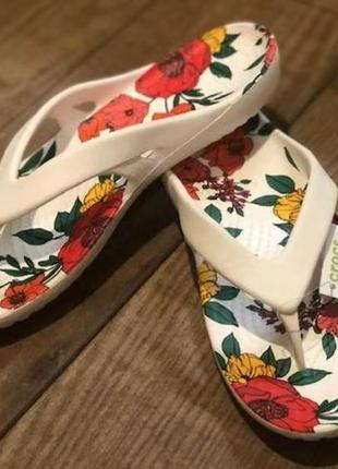 Шлепки, шлепанцы, вьетнамки, флипы, крокс crocs   women´s kadee ii printed floral flip