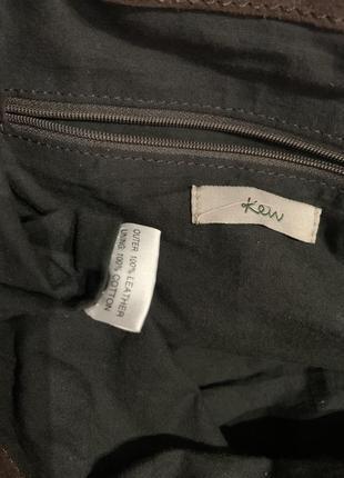 Кожаная фирменная сумочка на плечо kew.6 фото