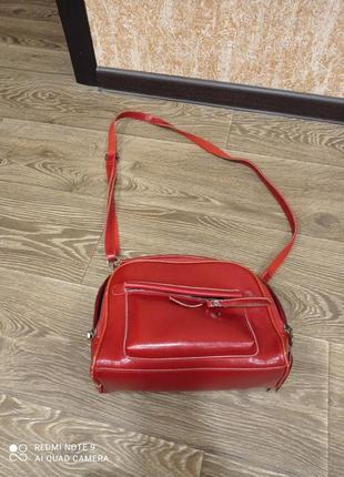 Кожаная сумка,красная,много отделений,короткая,длинная,ручка