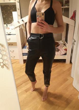 Кожаные штаны, джогеры, брюки