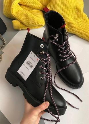 Новые обалденные грубые ботинки на шнуровке