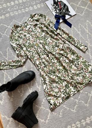Платье в цветочный принт2 фото