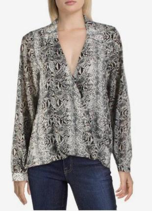 Блуза с запахом из вискозы