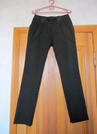 Плотные черные брюки