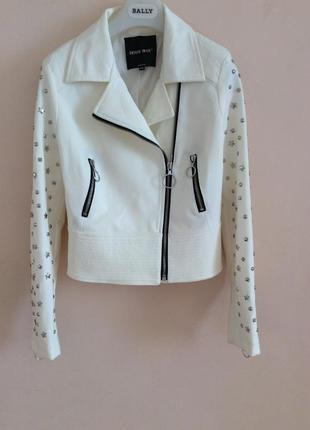 Очень красивая стильная куртка косуха  италия оригинал