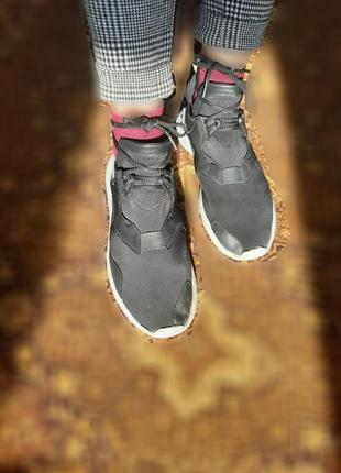 Кроссовки черные  женские унисекс 24,5 см