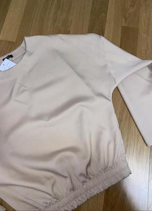 Шикарный брючный костюм со свободной кофтой на резинке4 фото