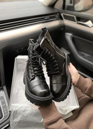 Моднячие ботинки с мехом и демисезонные женские