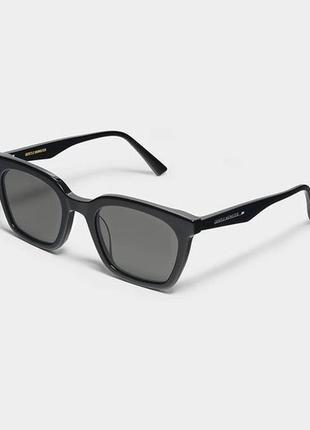 Модные чёрные очки momati от gentle monster!