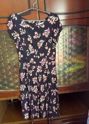 Натуральное платье из 100% вискозы в цветочный принт
