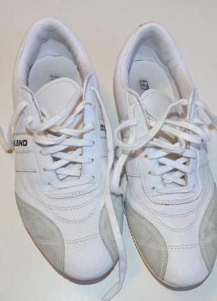 Кроссовки blend (датский бренд), кожа, очень легкие, .состояние новых!