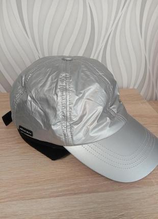 Немецкая моднач кепка серебро козирок с флисовыми ушками