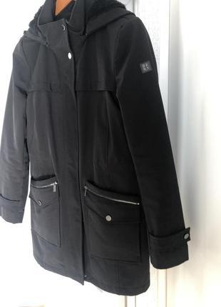 Куртка dkny s-ка.