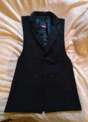 Класический стильный костюм,брюки и жакет