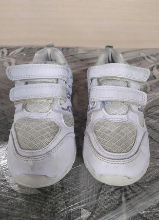 Детские кроссовки2 фото