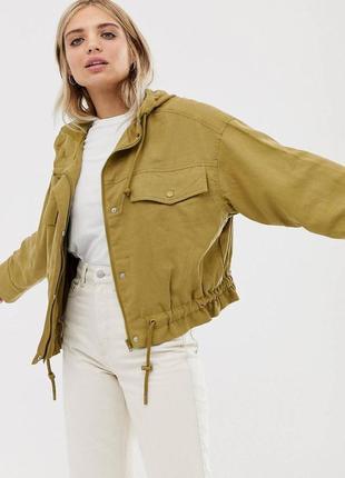 Куртка жіноча коротка