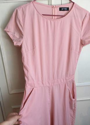 Розовый комбинезон ромпер с коротким рукавом пудровый пудра нежно розовый missguided