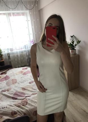 Біле шкіряне плаття / платье из кожзама amisu