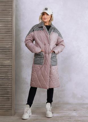Сиреневое удлиненное принтованное пальто на синтепоне