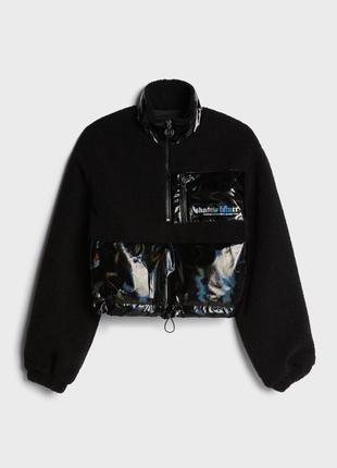 Анорак виниловая куртка bershka