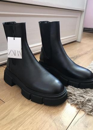Zara чоботи