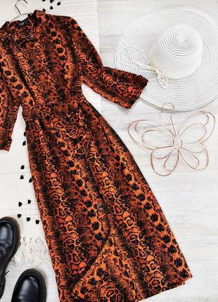 Коричнева сукня в зміїний принт  primark платье миди змеиный принт