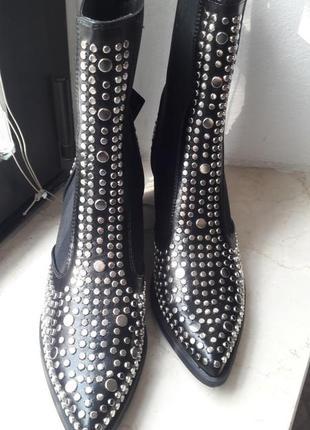 Супер стильные новые ковбойские ботинки-козаки 40р