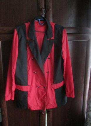 Легкий пиджак 48 размера.