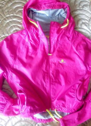 Укороченная спортивная куртка domyos