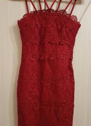 Красивое кружевное коктейльное платье мини h&m.