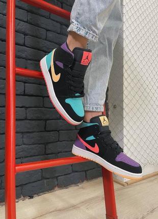 Женские кроссовки nike air jordan 1 retro mid multicolor рефлективные