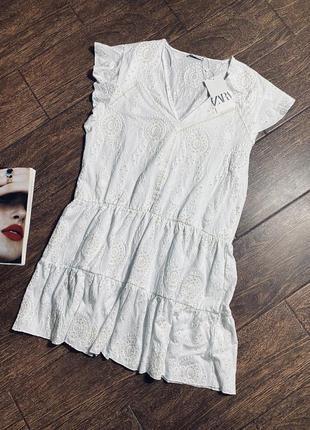 Красивое летнее белое мини платье   коллекция 2021