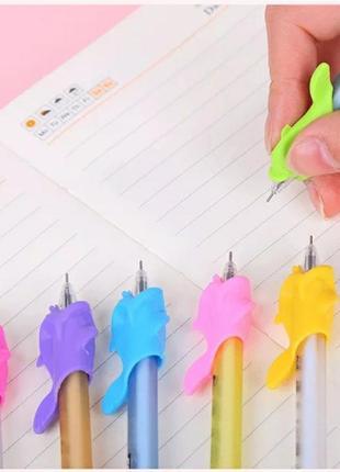 Держатель тренажер для ручек и карандашей для правильного письма детям