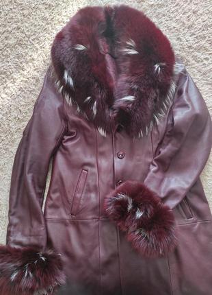 Кожаное  пальто на весну