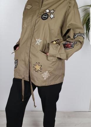 Куртка/ветровка/пиджак с патчами outerwear p12/40.
