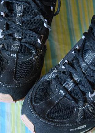 Классные кроссовки helly hansen