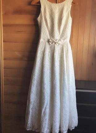 Элегантное свадебное платье !!44 р