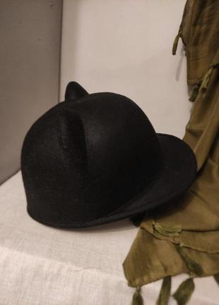 Жокейка с ушками шляпка кепка