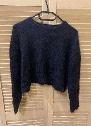 Мягкий и пушистый свитер
