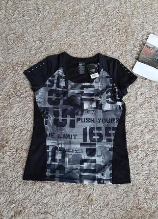 Класна функціональна футболка.  європейський розмір с 36/38