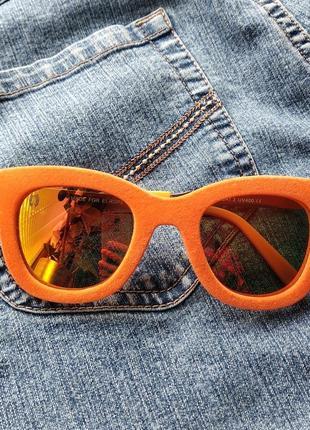 😜 яркие имиджевые солнцезащитные очки с велюровой оправой.