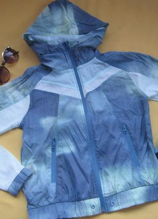 Тонкая курточка ветровка,р.хs,yes or on